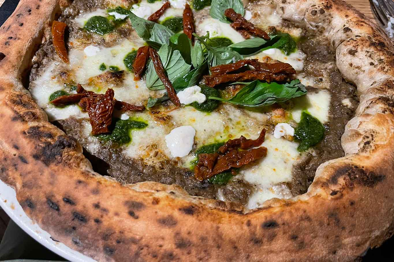 pizza influencer pizzeria