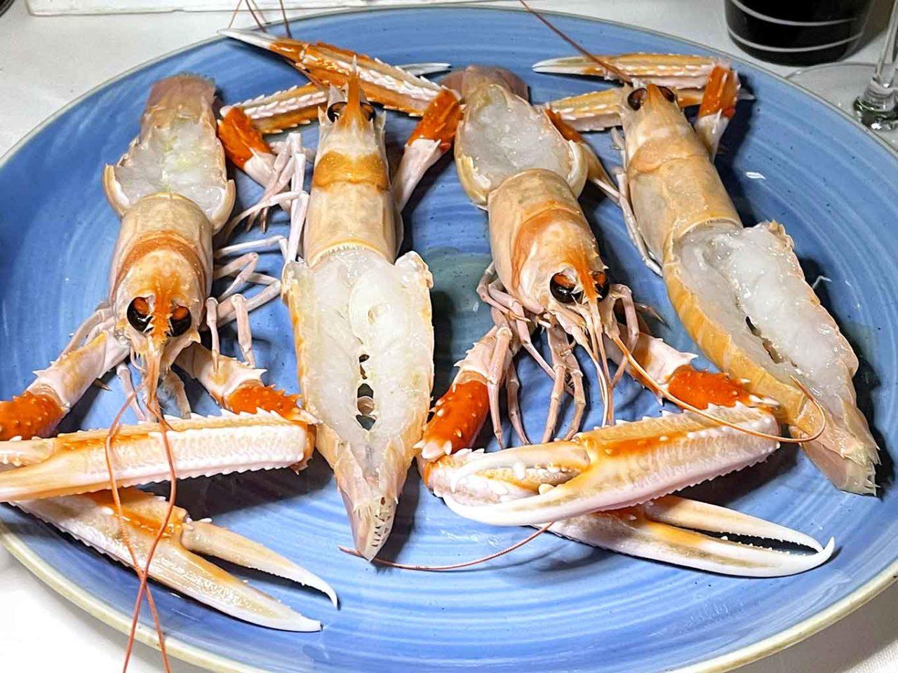 ristorante di pesce Pescheria Salerno scampi