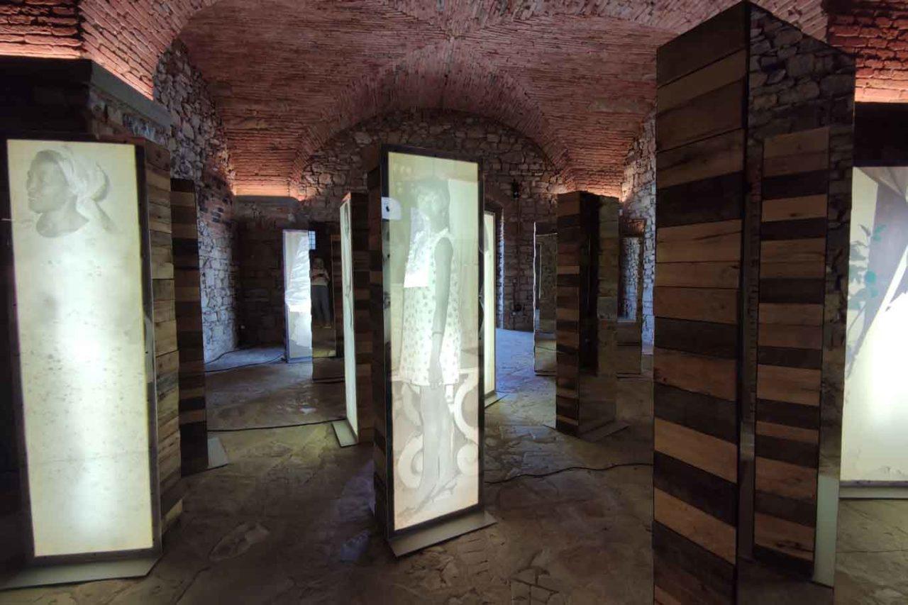 installazione di Susana Pilar a Tenuta Casenuove
