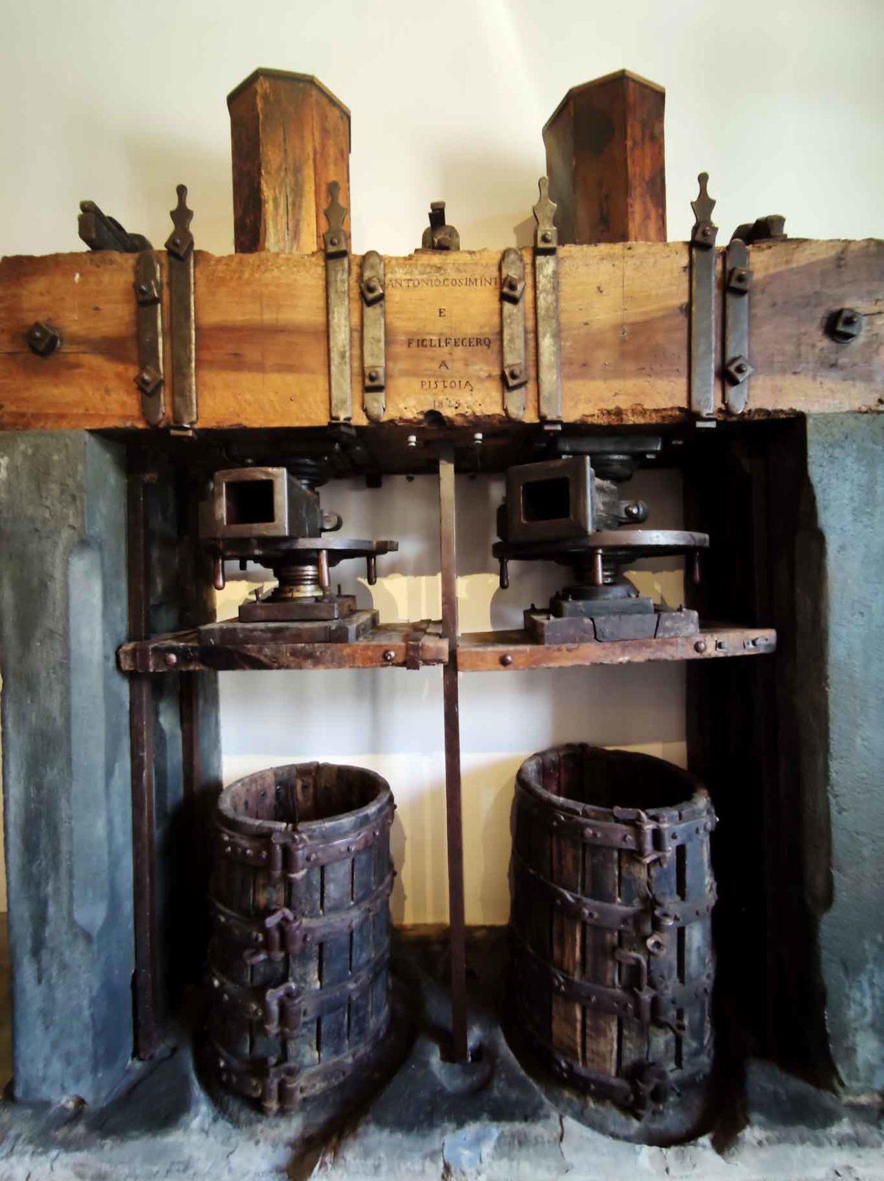 torchio originale dell'Ottocento a Tenuta Casenuove