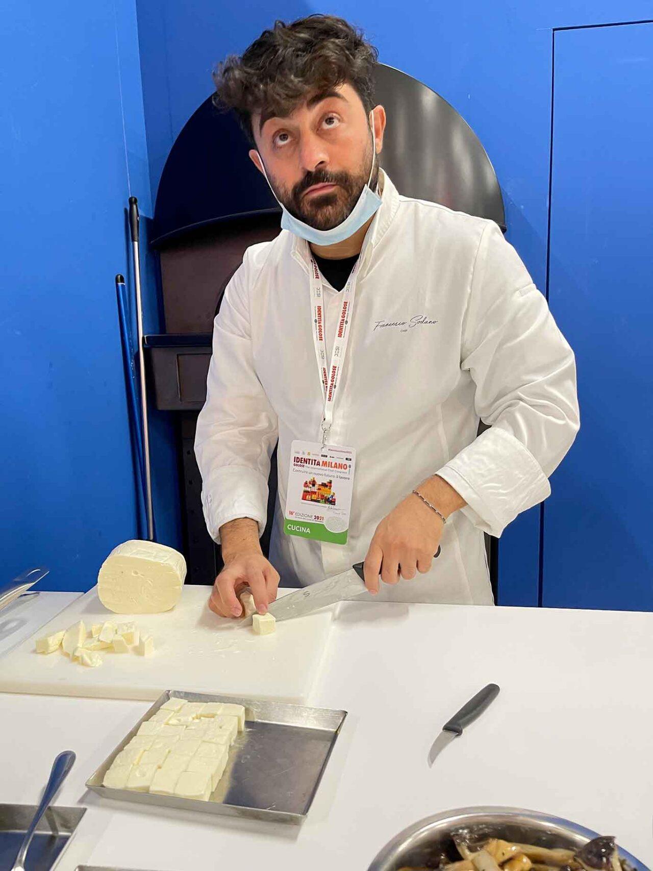 Francesco Sodano taglia il fiordilatte