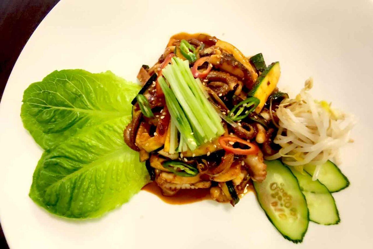 ristorante coreano Gainna a Roma: polpo saltato con verdure